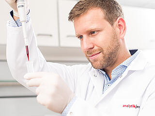 Image pipetting blood